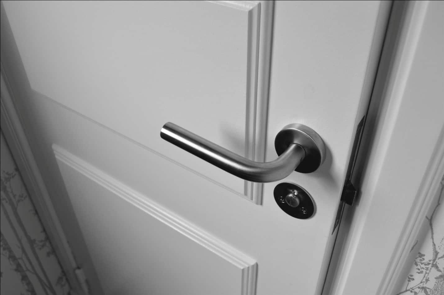 Bästa sätt att rengöra dörrhandtag
