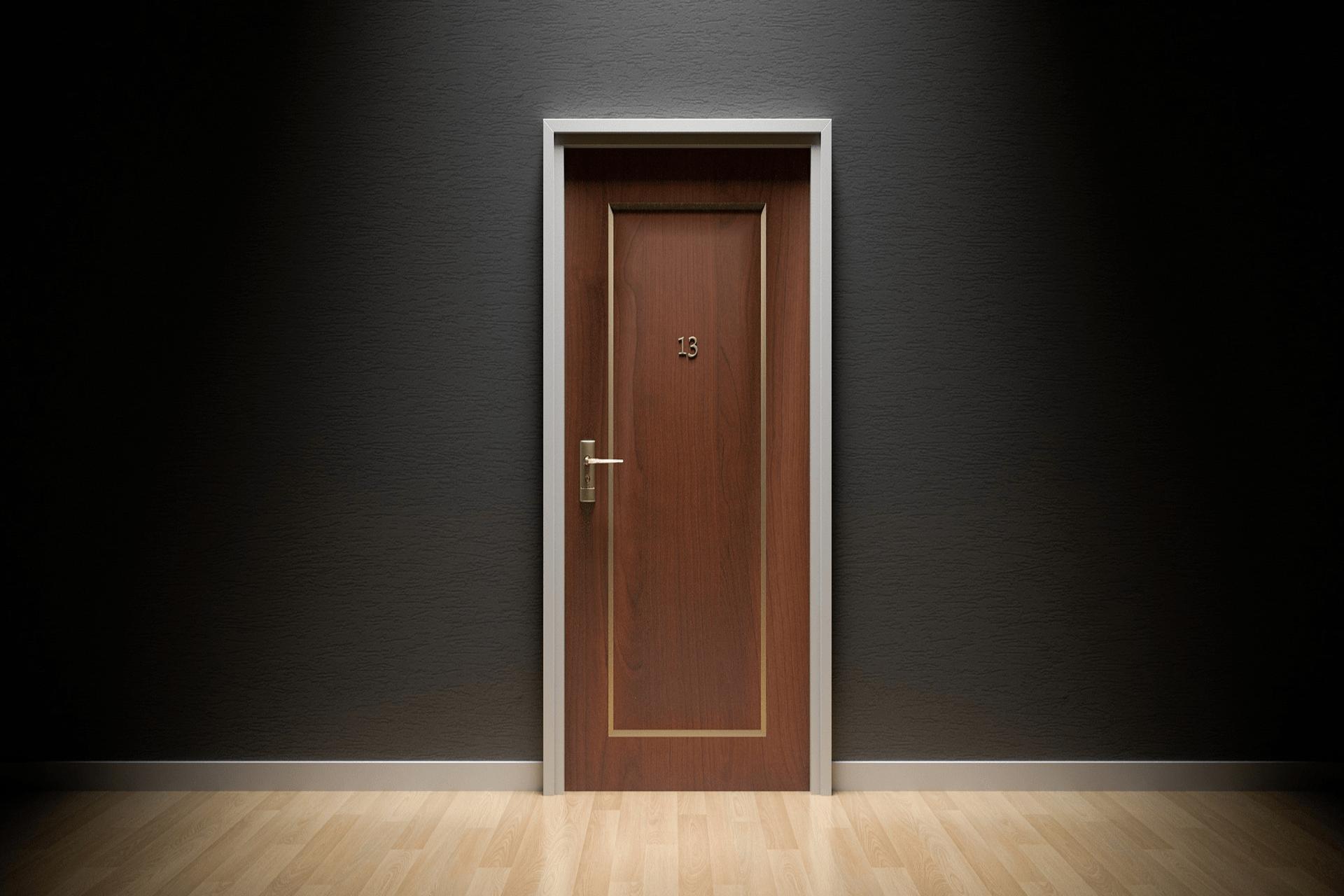 door 1587023 1920 1