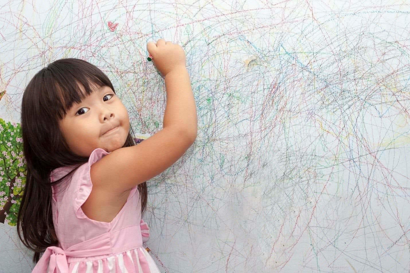 hur man tar bort krita från väggar