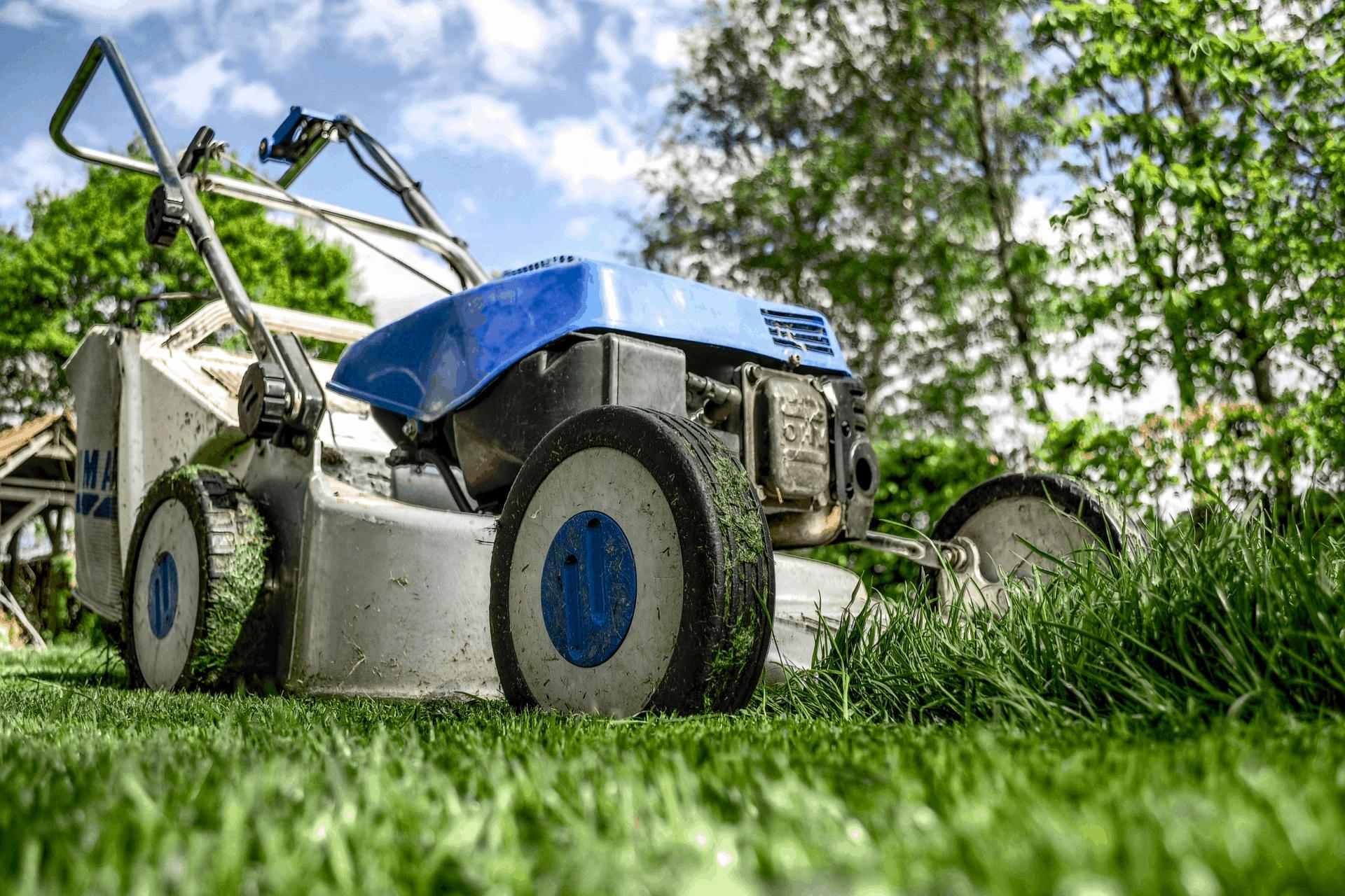 lawnmower 384589 1920