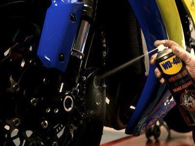 Motorbike-Brake-Cleaner-Usage-Shot1